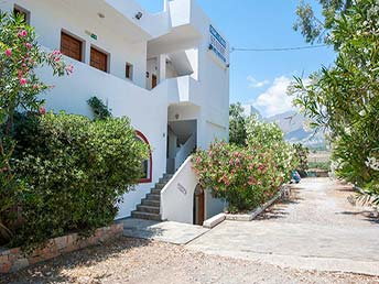 Studios Stavris, Frangokastello, Crete directly at the beach